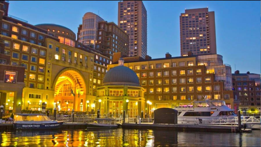 Upscale dog friendly hotel in Boston