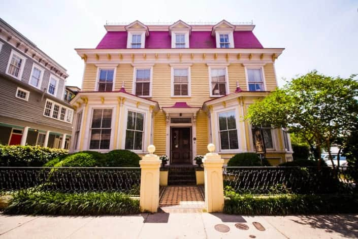 Dog friendly bed and breakfast Charleston