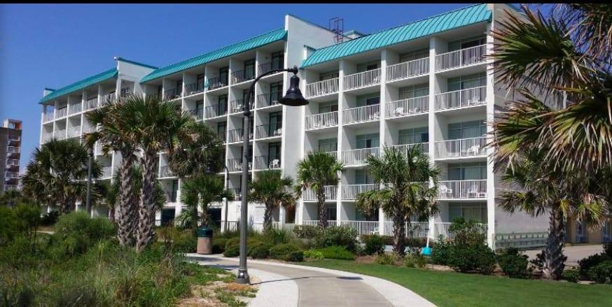 Beachfront dog-friendly hotel in Myrtle Beach