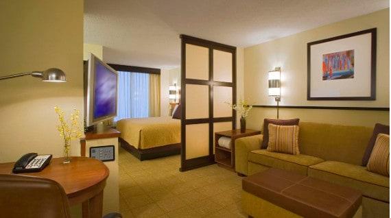 modern mid range dog friendly hotel in Charleston