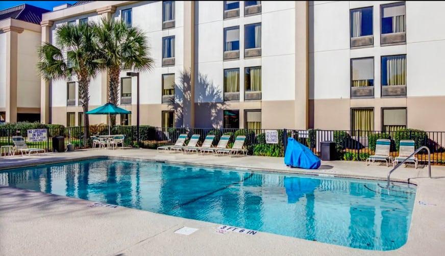 Modern pet-welcoming hotel in Myrtle Beach