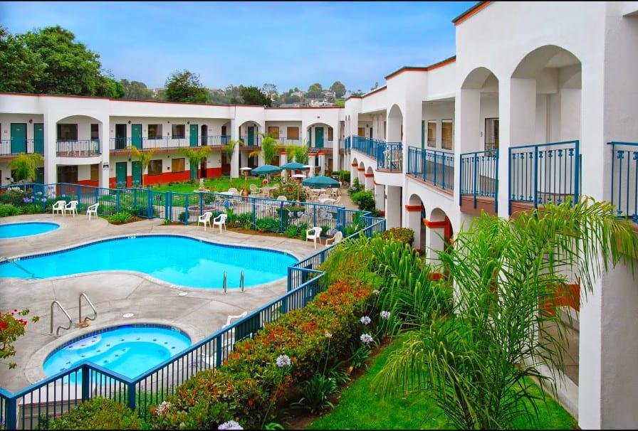 Popular pet friendly hotel in Pismo Beach