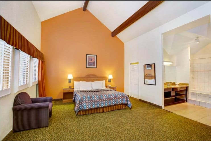 Family and pet friendly hotel Santa Cruz