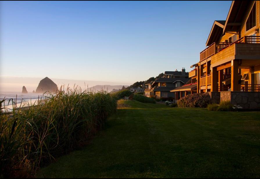 Ocean front pet friendly resort Oregon Coast