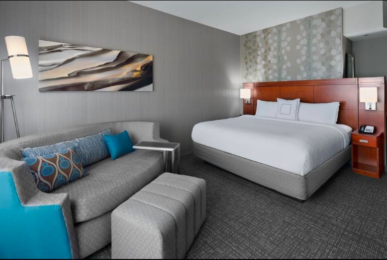 modern pooch-welcoming hotel Flagstaff