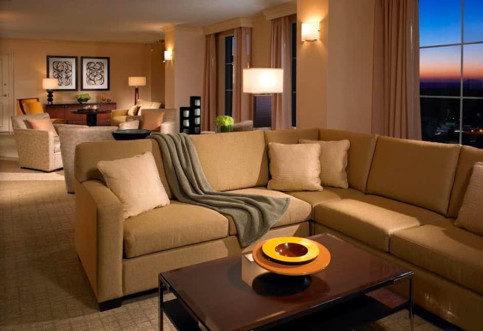 Upscale pet friendly hotel in Atlanta