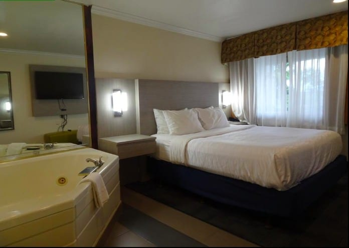 a budget friendly all-suite hotel Flagstaff