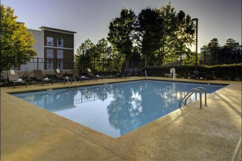 Modern dog friendly hotel in Atlanta