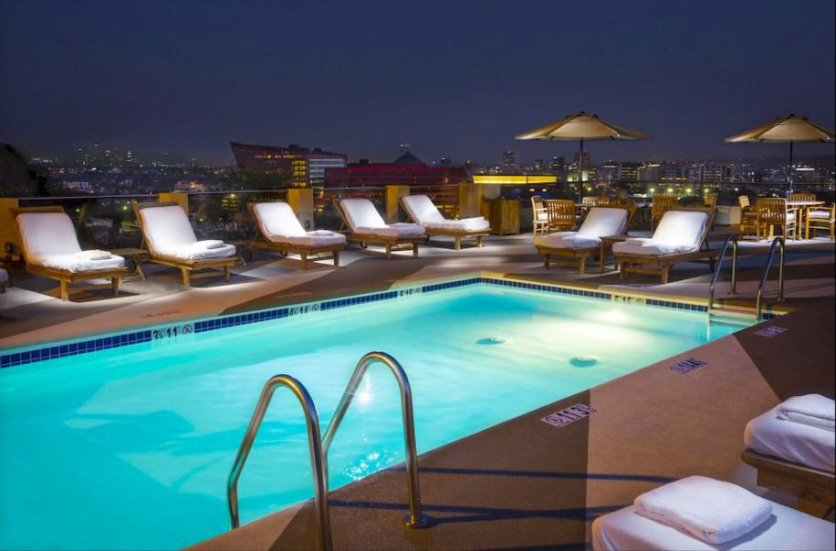 All suite dog friendly hotel in Los Angeles