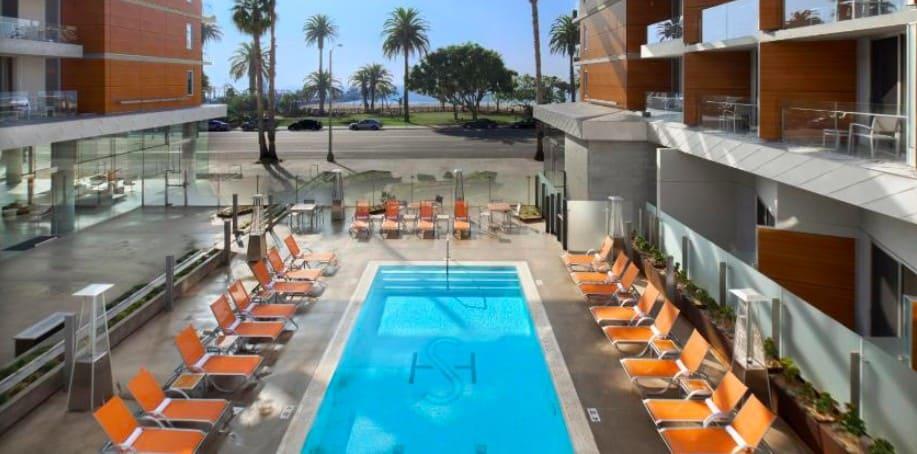 Eco dog friendly hotel in Los Angeles