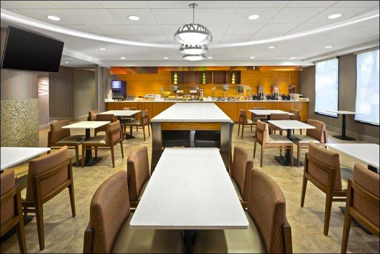 All-suite Fido-friendly hotel in Flagstaff