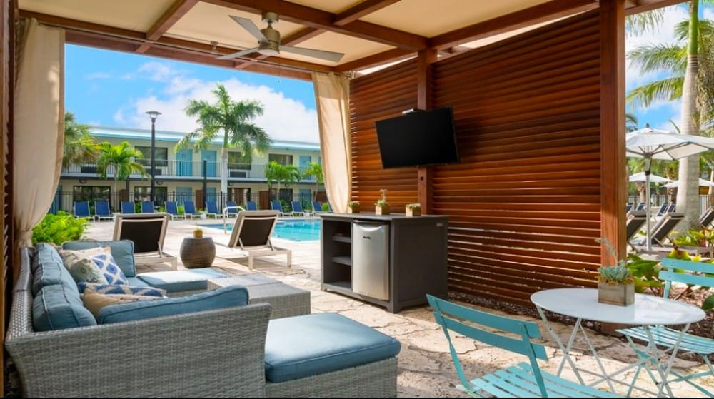 Trendy dog friendly hotel Key West