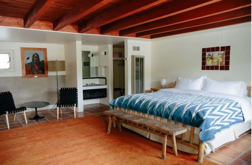 Fido-welcoming hotel in Santa Fe