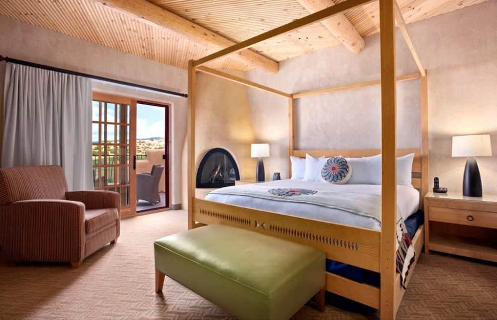Hilton Santa Fe Buffalo Thunder bedroom