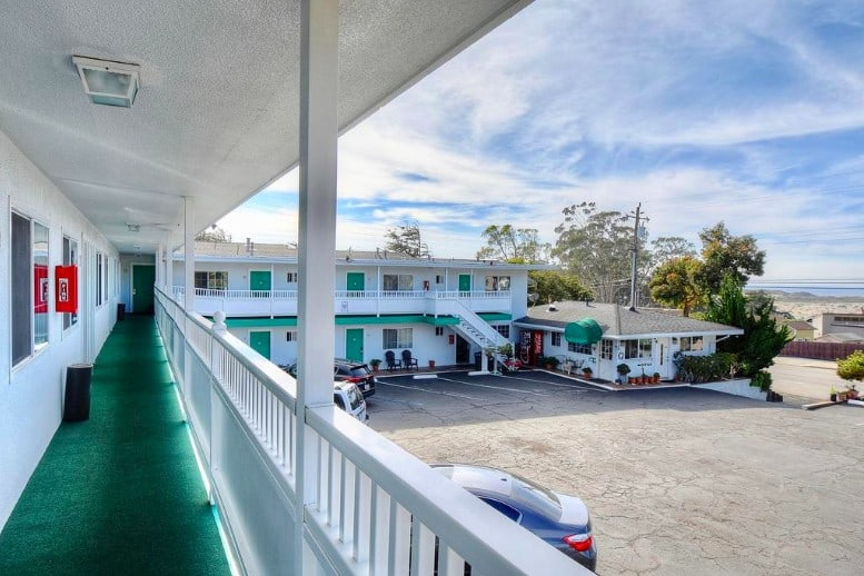 Quiet pet friendly hotel in Morro Bay