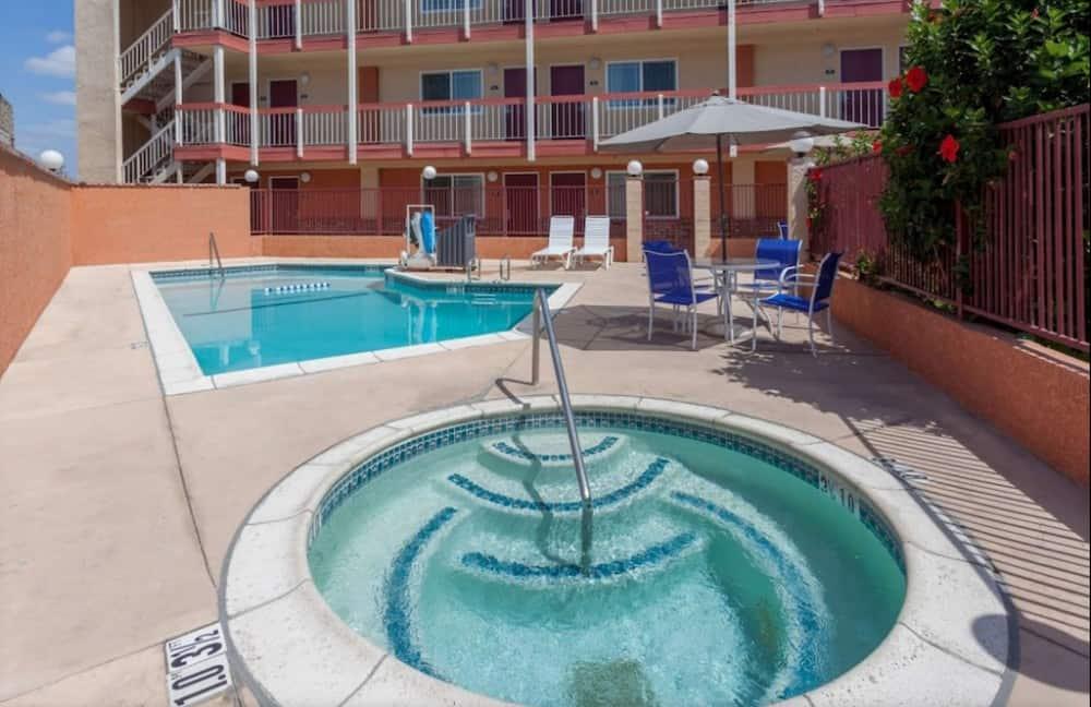 Motel 6 Fountain Valley