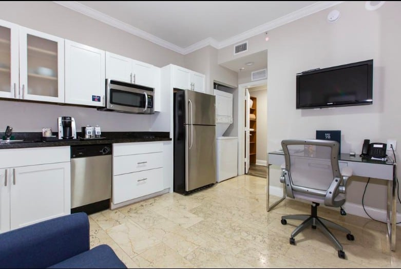 Pet-friendly all-suite hotel Miami