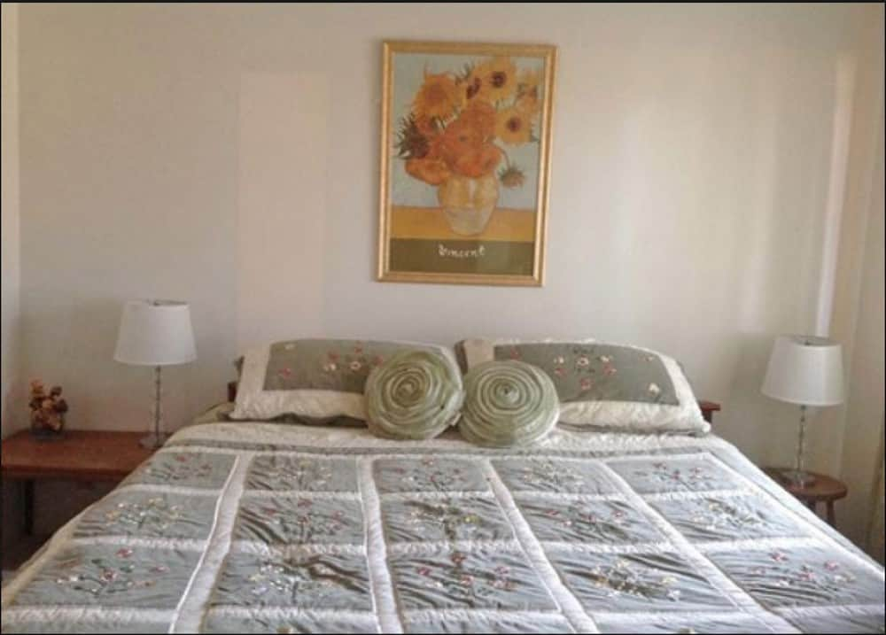 Pet friendly self catering accommodation Mendocino