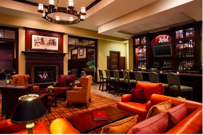 Dog friendly central hotel in Duluth