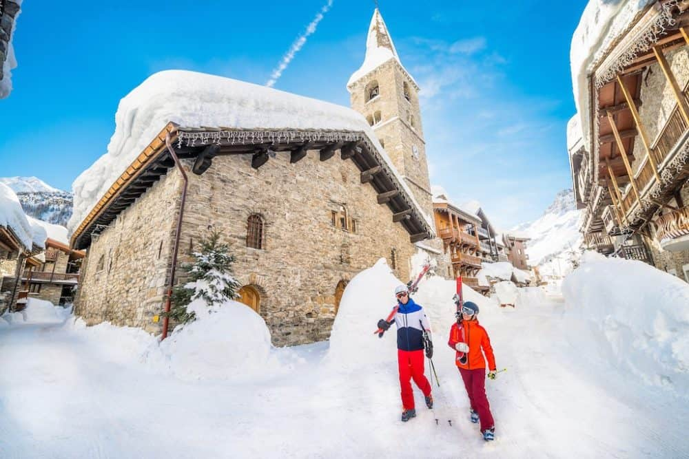 Competition: win a short chalet break to world-class ski resort Val d'Isere with Skiworld! Global Grasshopper