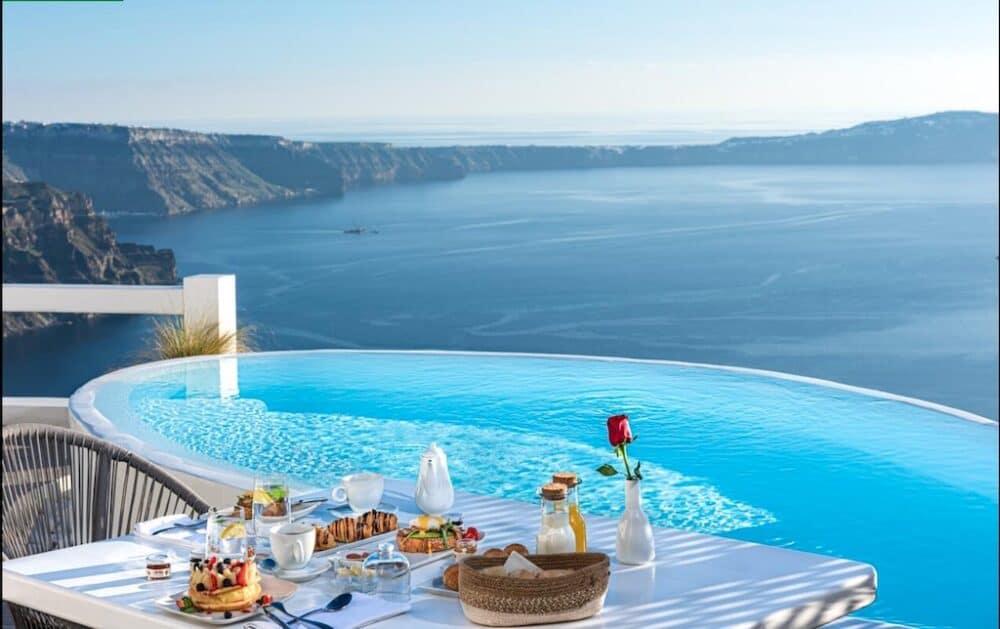 Beautiful Santorini Hotel