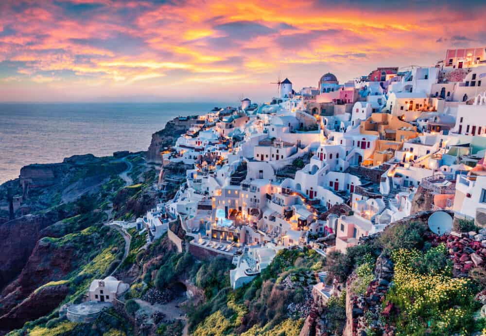 Santorini - the most beautiful places to visit in Greece