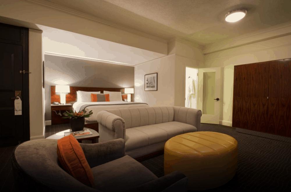 Hotel Lucia Portland - romantic hotel room in Portland
