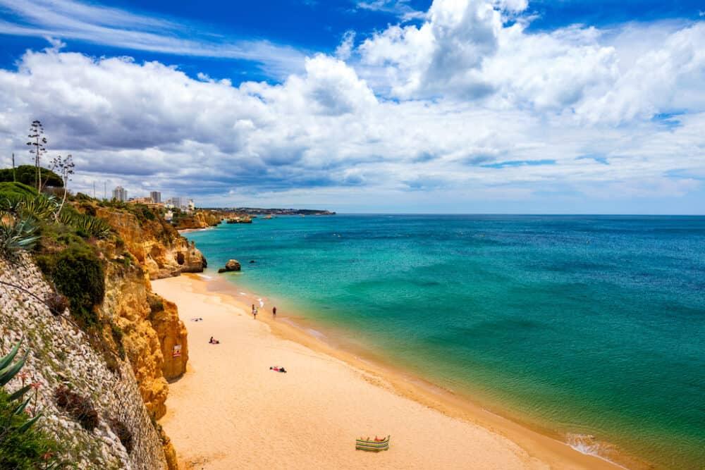 Praia do Barranco - a stunning beach on the Algarve coast