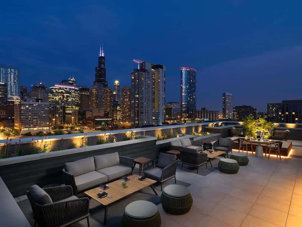 Sleek and sexy hotel in Chicago