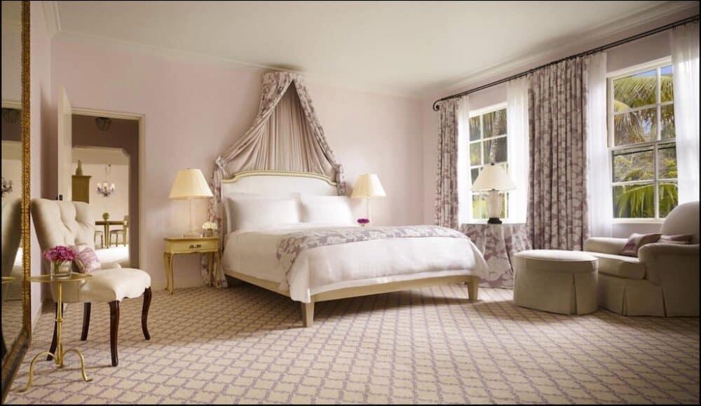 Beautiful and romantic hotel in Santa Barbara