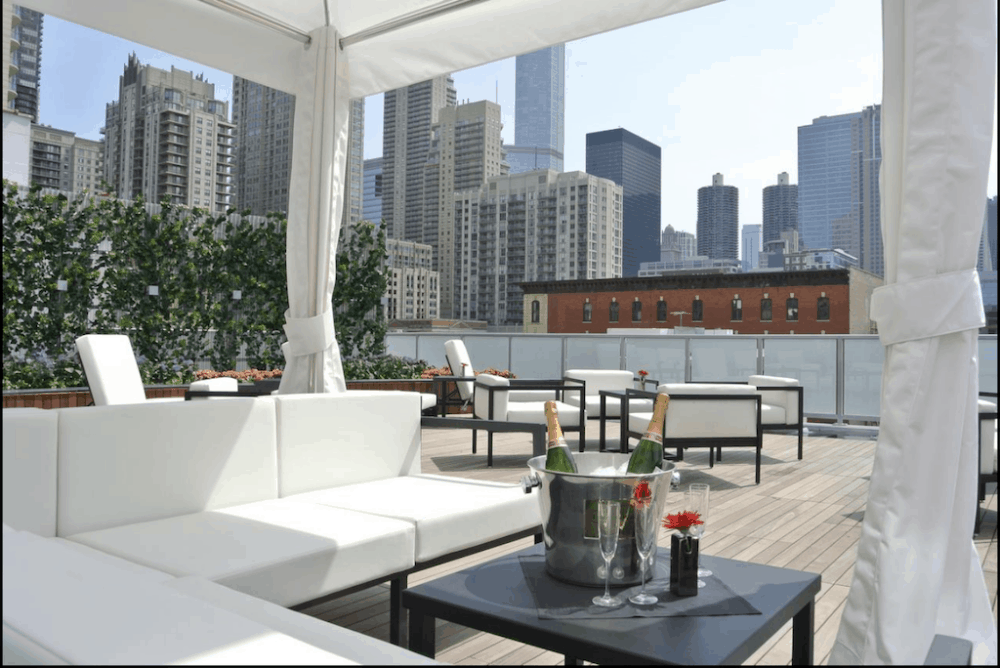 Chic and romantic hotel in Chicago