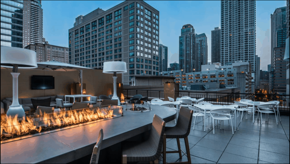 A Chic and romantic hotel in Chicago