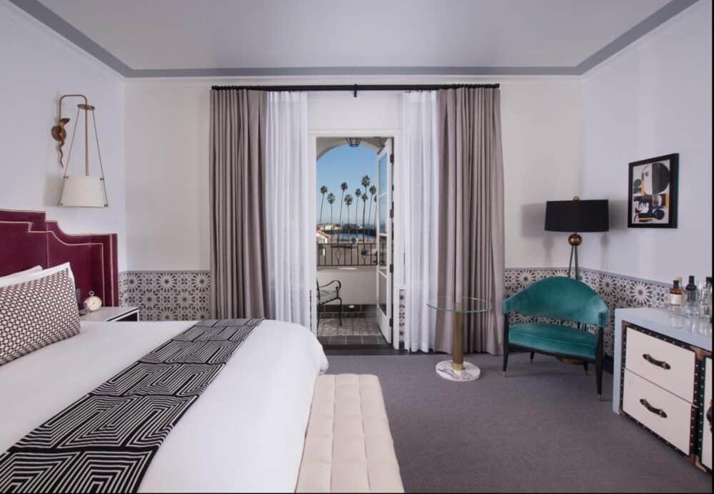 Luxury romantic accommodation in Santa Barbara