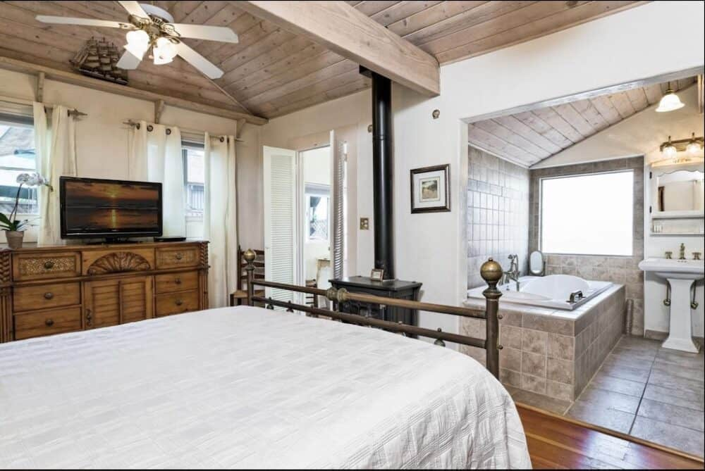 Romantic and cozy cottage Santa Barbara