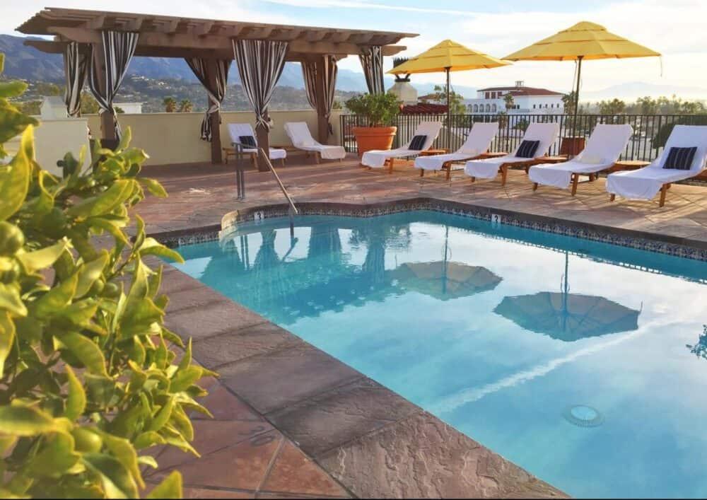 Romantic swimming pool Santa Barbara