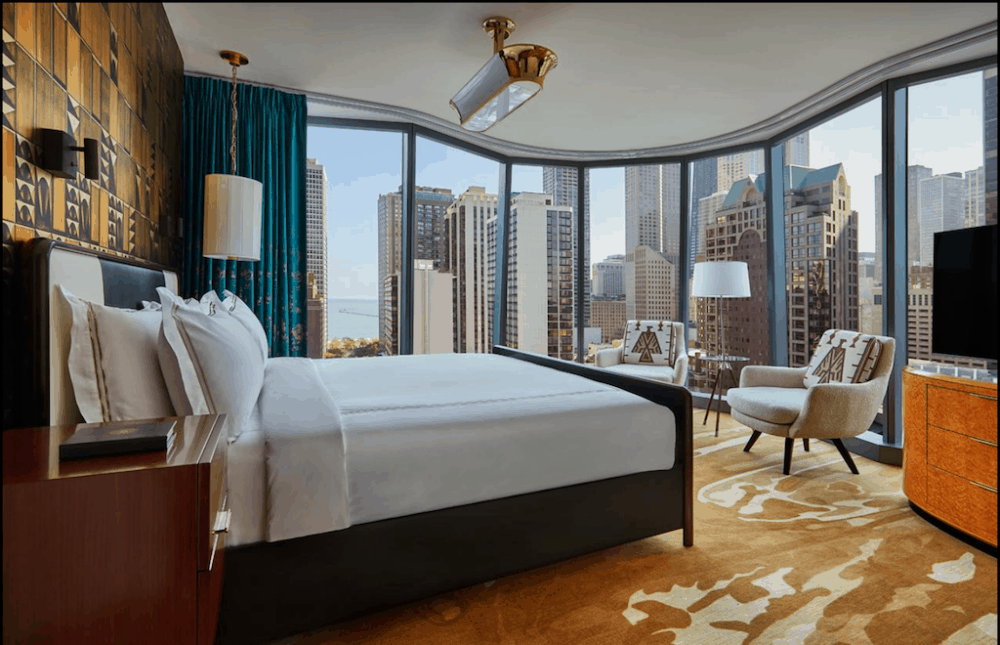 The Viceroy Chicago - a chic and arty hotel for couples