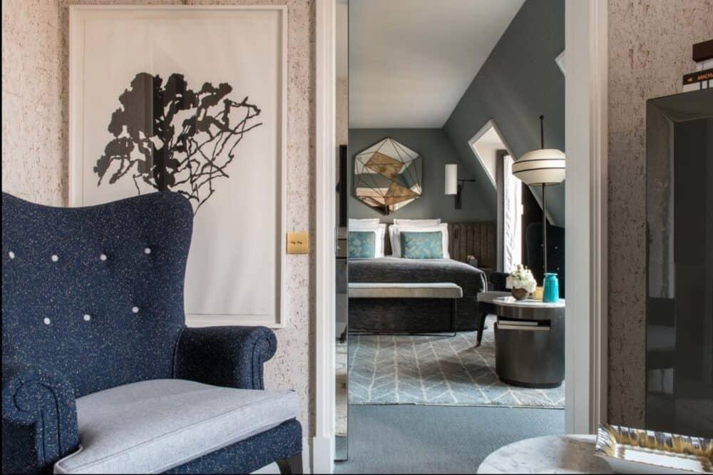 Chic and romantic hotel in Paris