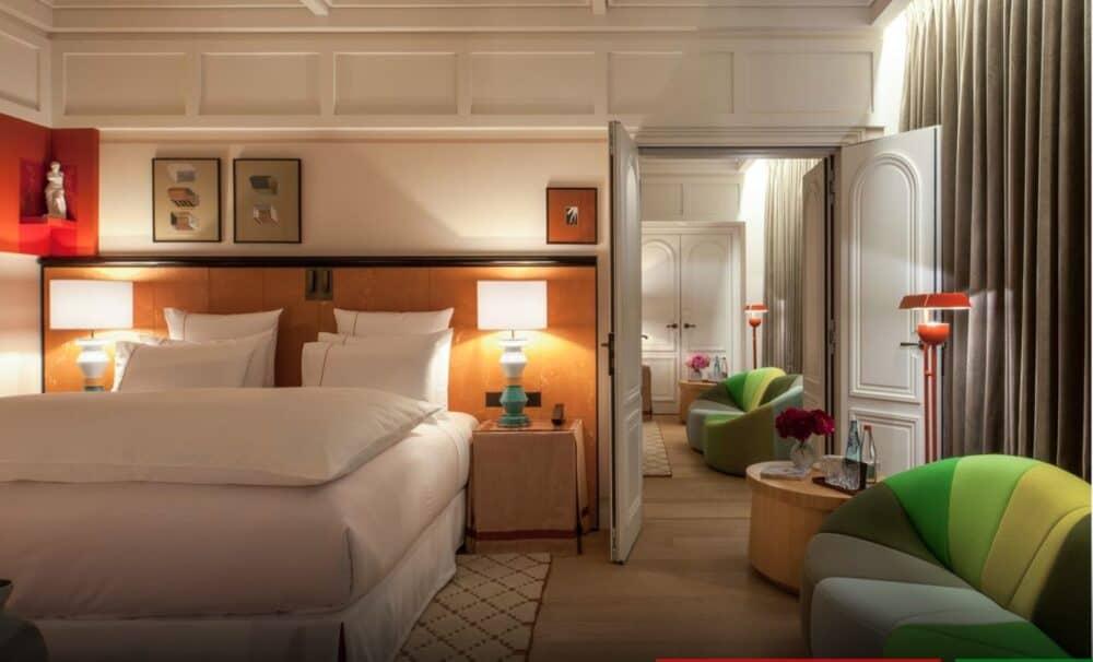 Cozy romantic hotel Paris