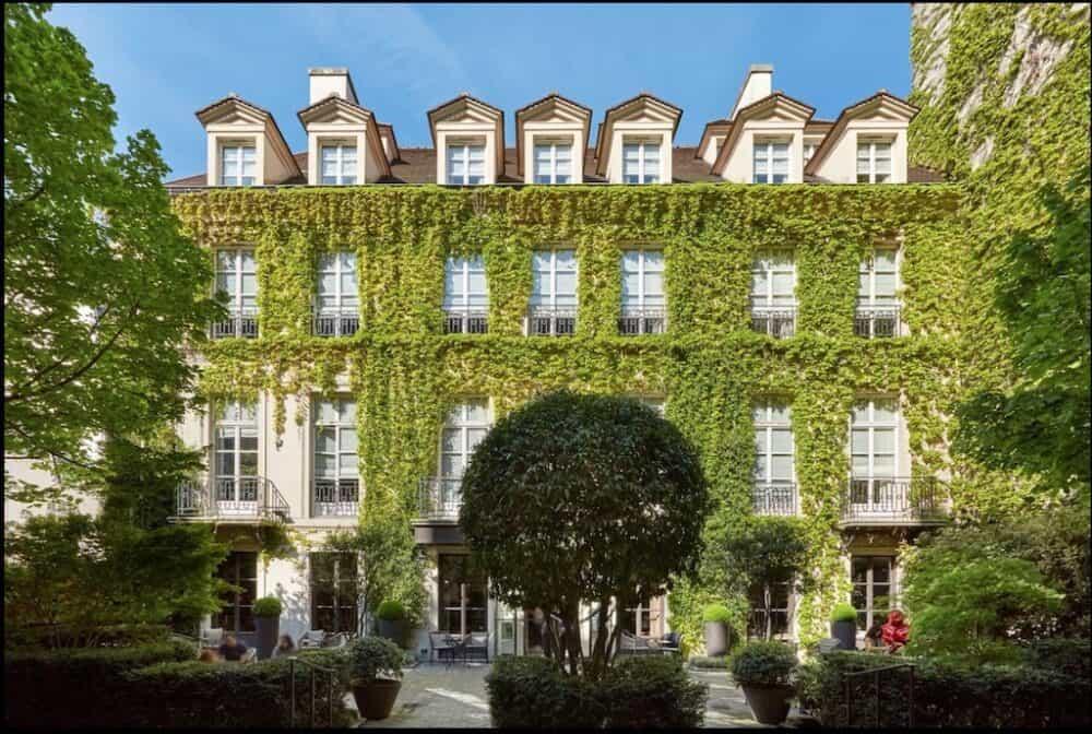 Historic romantic hotel Paris