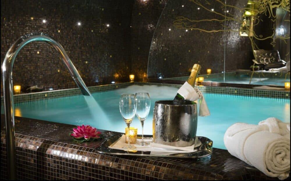 Hot tub hotel Paris