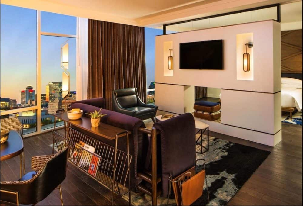Romantic couples in love hotel Nashville