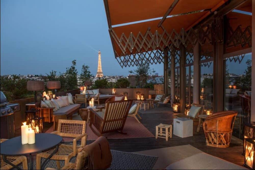 Romantic hotel view Paris