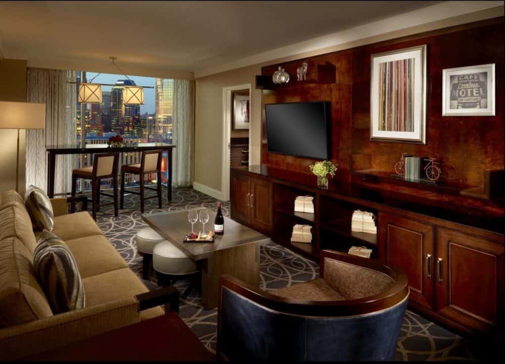Romantic suite Nashville