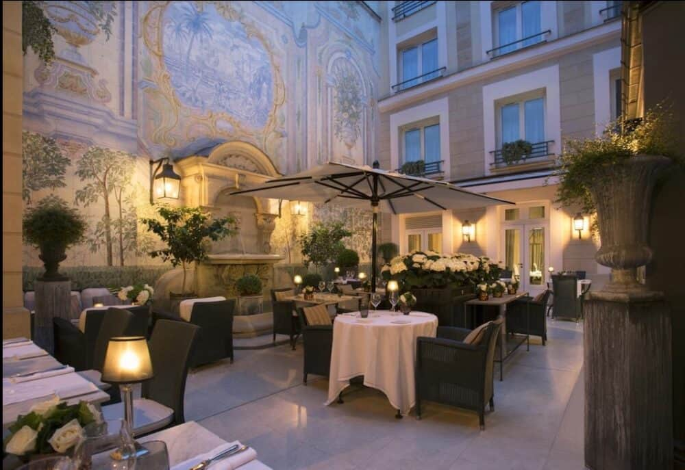 The most romantic hotels in Paris