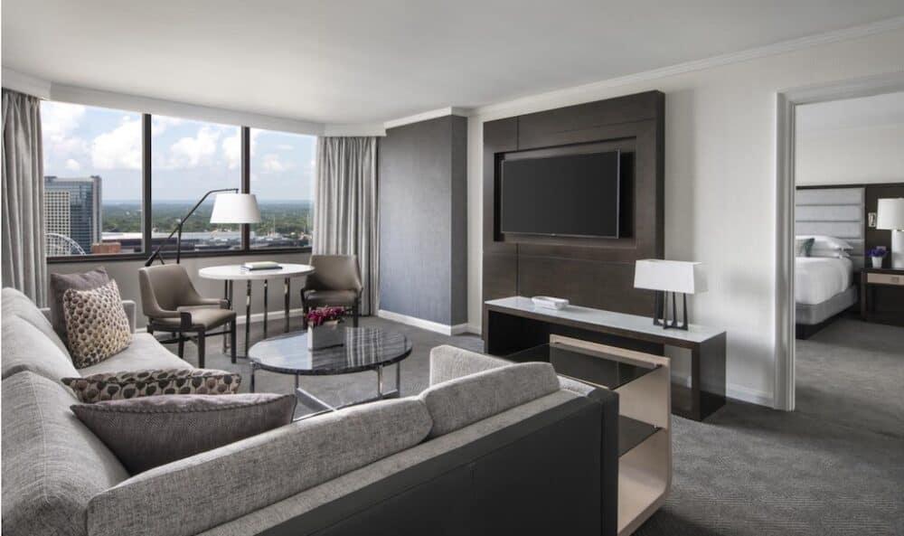 Large romantic hotel in Atlanta