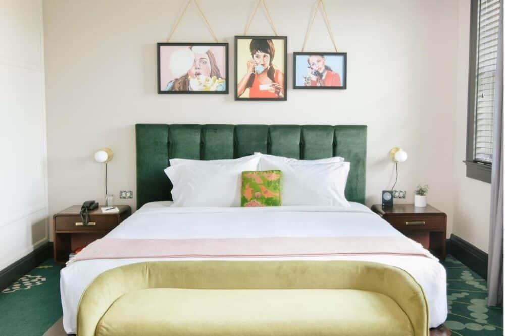 Pretty and romantic hotel in Atlanta