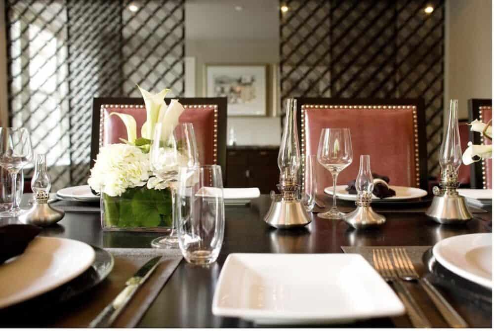 Romantic hotel restaurant in Atlanta