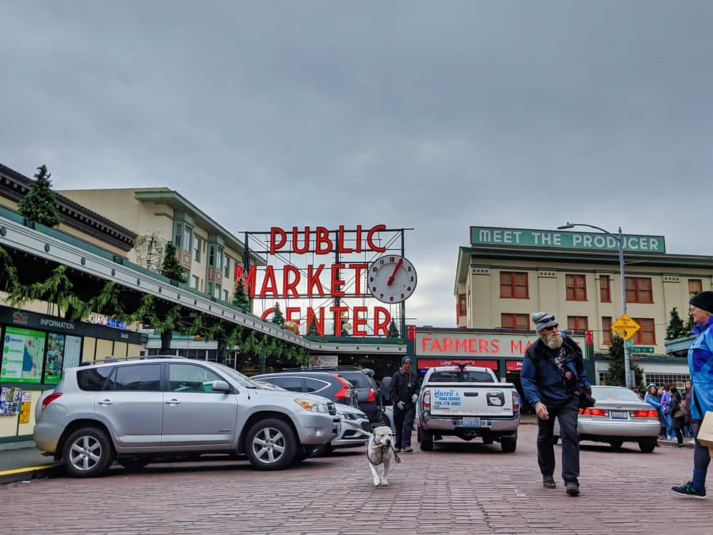 Dog friendly places to eat and drink in Seattle