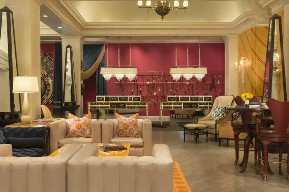 Upscale romantic hotels in Philadelphia
