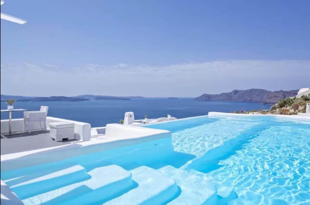 Couples getaway Santorini